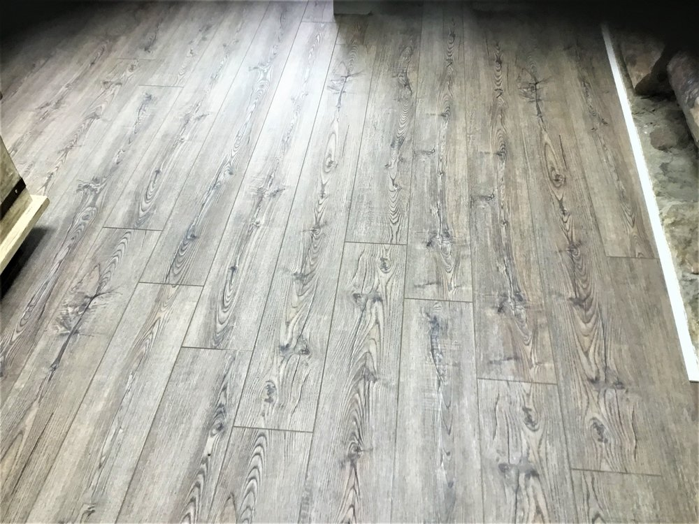 luxury vinyl wood plank flooring