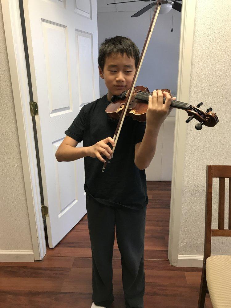Alex Han Violin