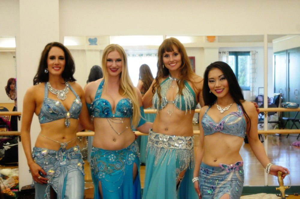 belly dancers of Lunaria