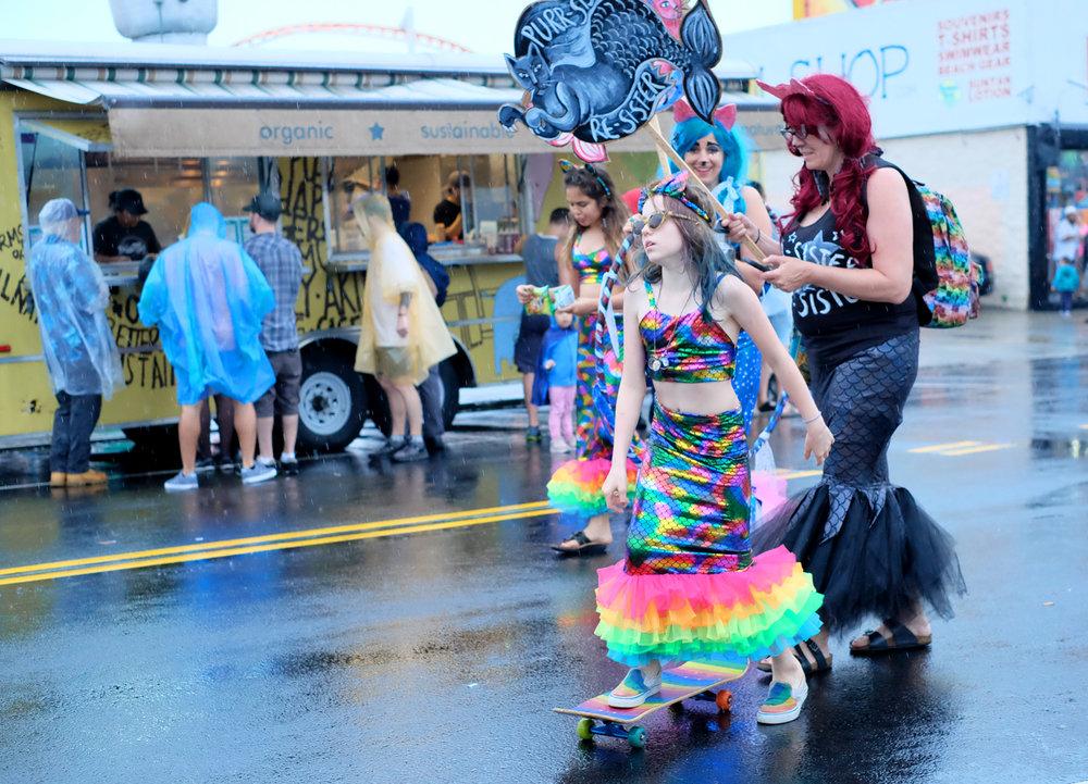 olivia_ramirez_photography-coney_island_mermaid_parade-skatingmermaid_edited-1.jpg