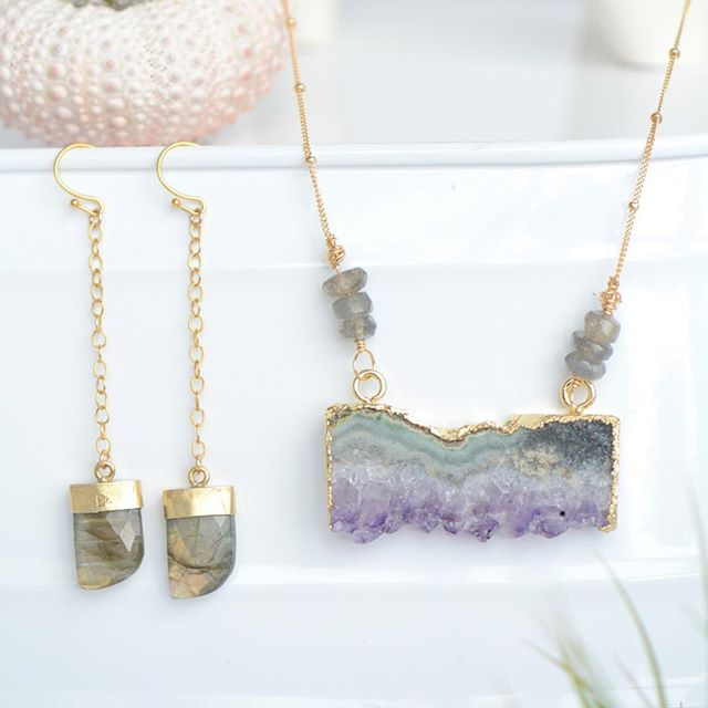 {{New Items}} ✨Amethyst slice necklace in 14k gold with #labradorite accents {{Right☝️}}✨ paired with 14k gold labradorite #gemstone earrings {{Left}}. Now available. Shop link in bio 🙌✨