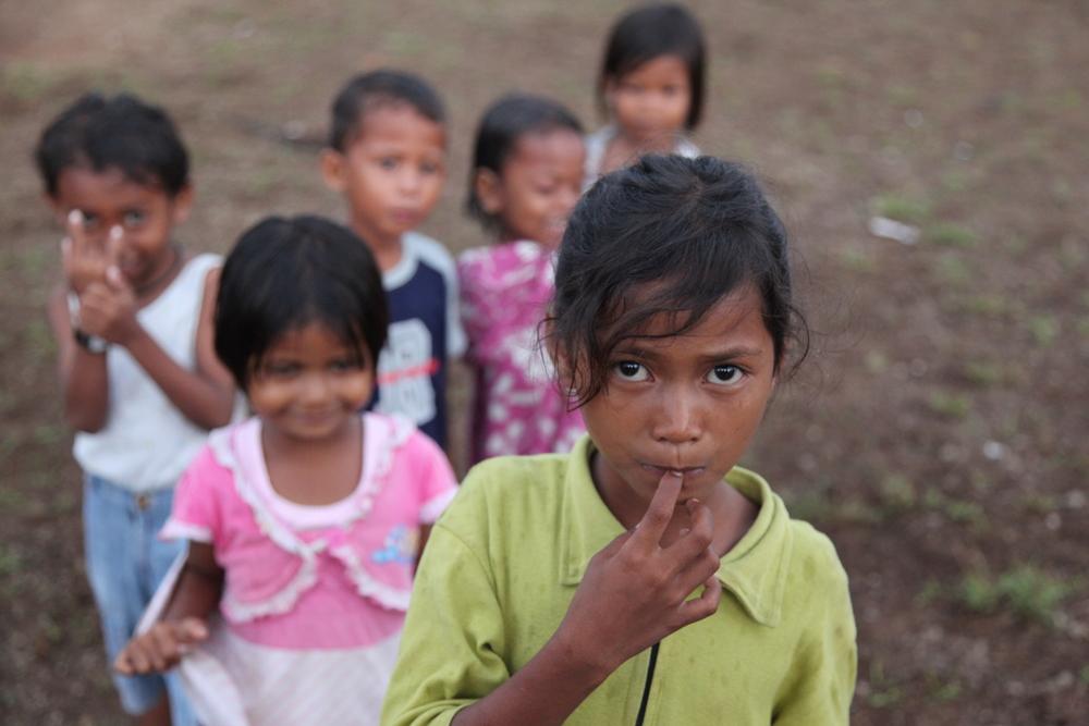Indo girls.JPG