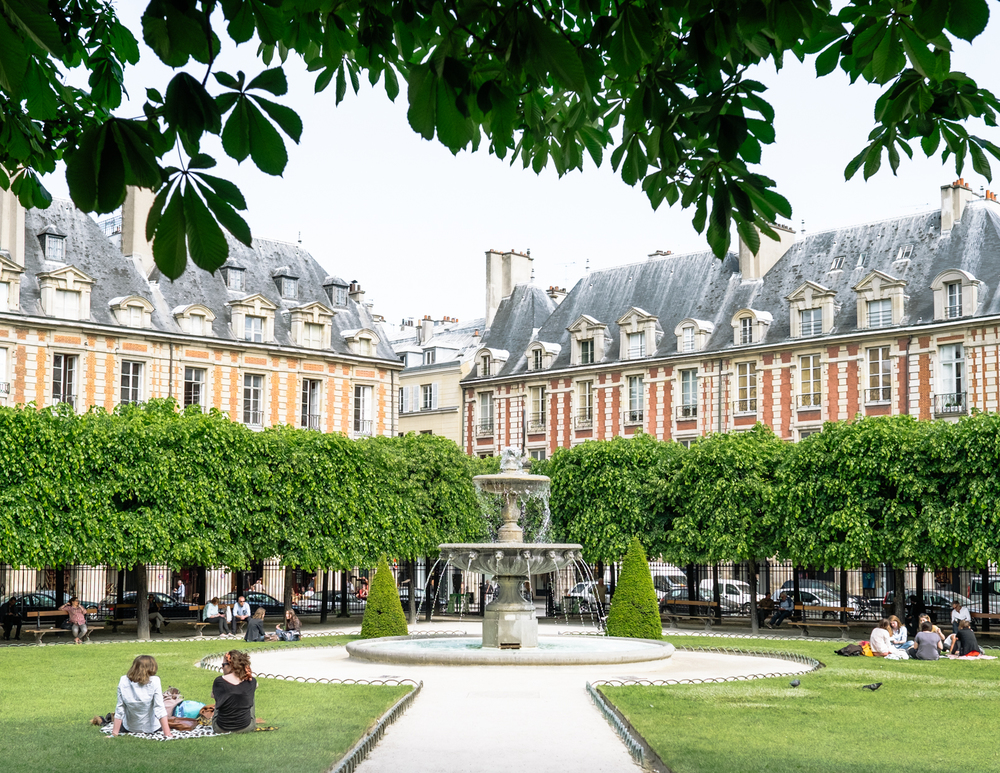 PLACE DE VOSGES  75004   INSIDER TIP  | The Place des Vosges isn't just the most beautiful but the oldest planned square in Paris. Get the perfect shot by standing in the center of the square, where you'll have a path leading to the fountain with the backdrop of these gorgeous buildings. Note: La Maison Victor Hugo is free to enter and open daily.
