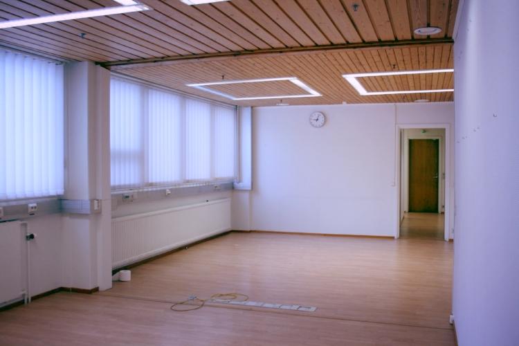 Toimitilanne Suomi, Nurmijärvi - Klaukkala, Lahnuksentie 215. Toimistotila 119 m².