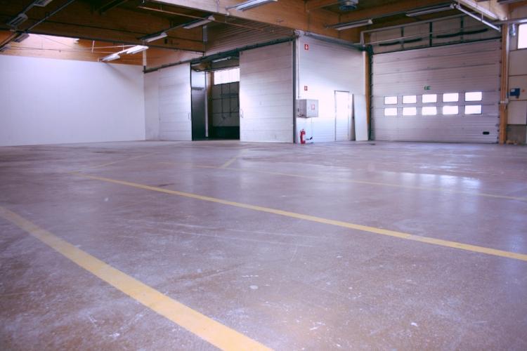 Toimitilanne Suomi, Järvenpää,  Minkkikatu 1-3. Tuotanto- tai varastotila 450 m².