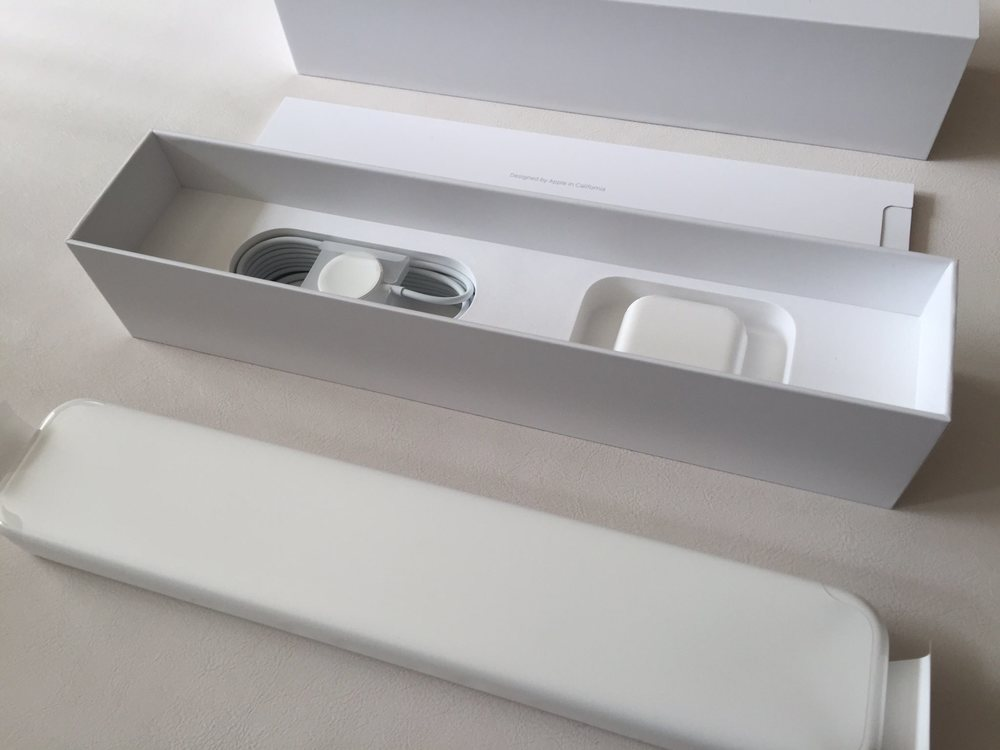 White-Apple-Sport-Watch-Unboxing-2.jpg