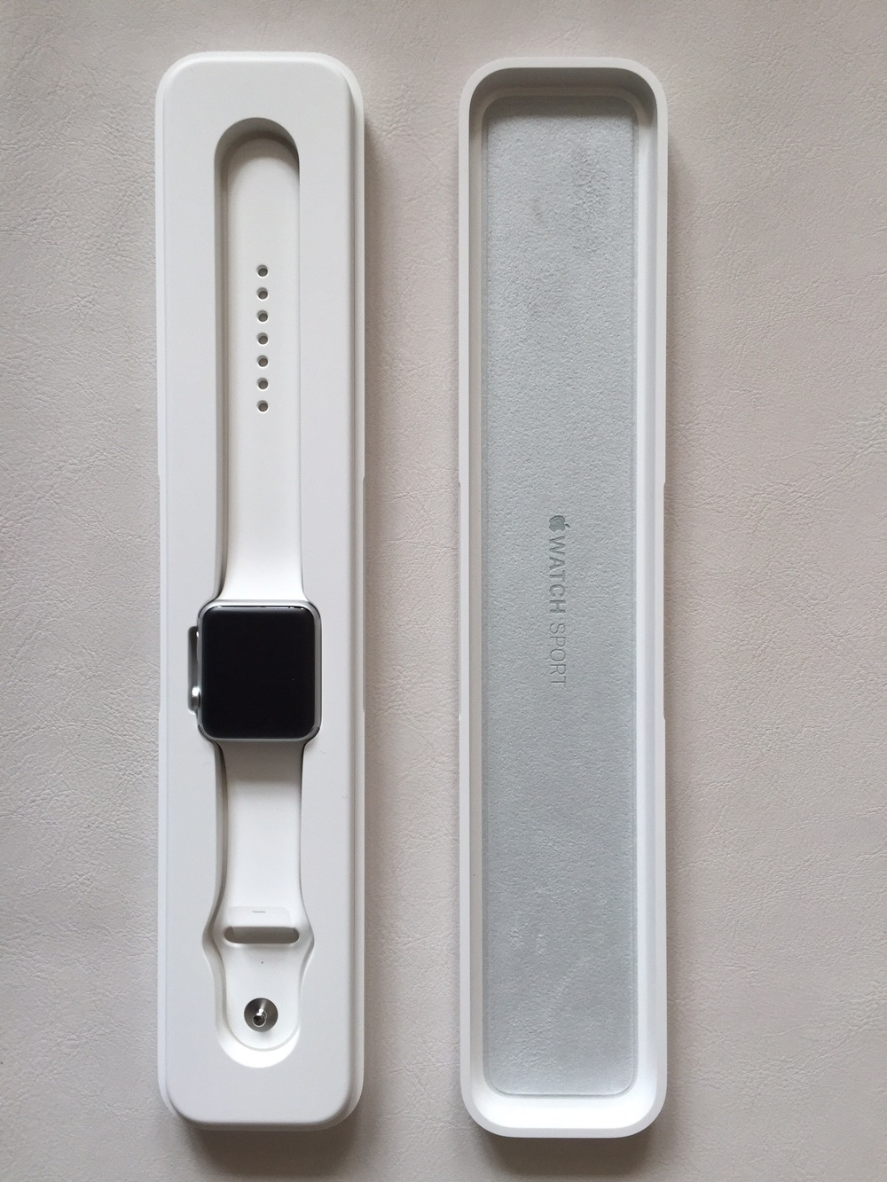 White-Apple-Sport-Watch-Unboxing-12.jpg