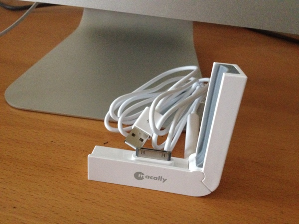 MacAlly L-Dock Foldable iPhone Synch