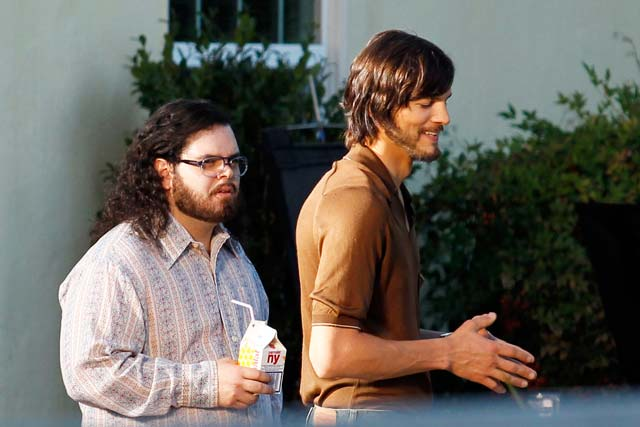 Kutcher-as-jobs-the-movie.jpg