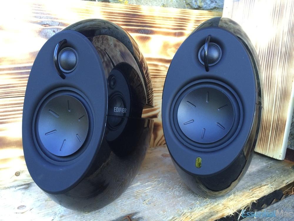 Edifier Speakers Shot 1