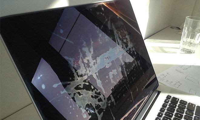 Apple-Macbook-Screen-Lamination-Issue.jpg