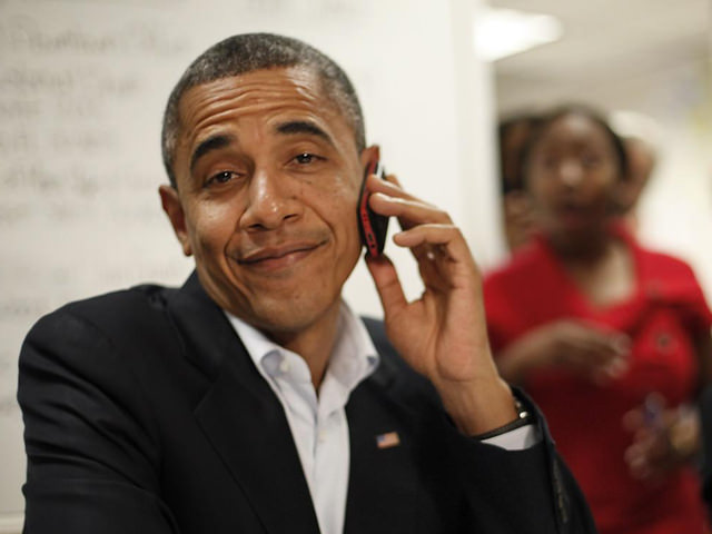 Barrak-Obama-On-iPhone.jpg