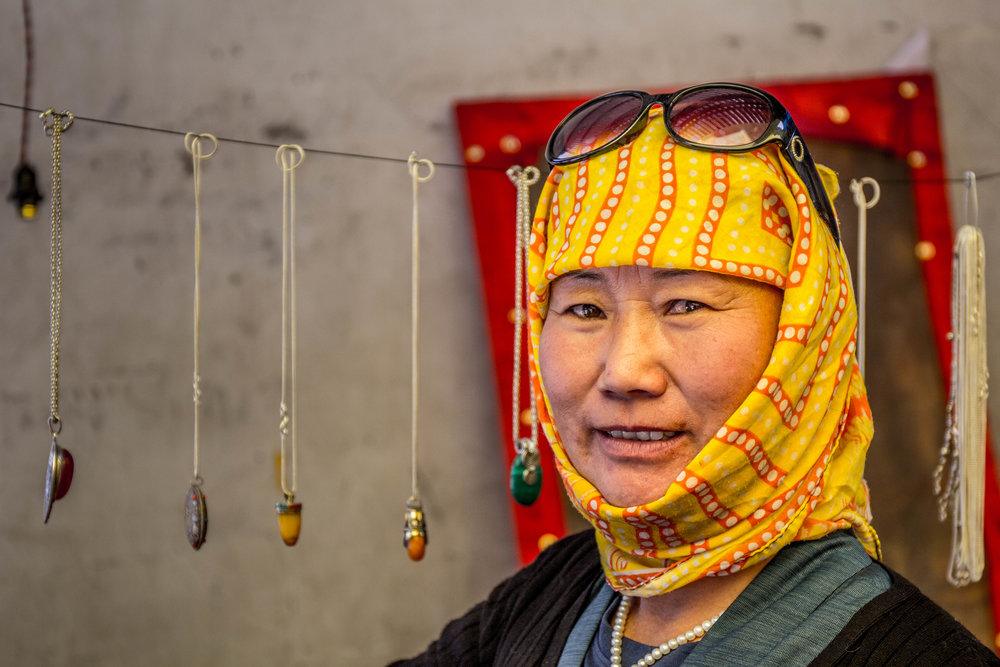 After her parents fled from Tibet in 1970, Tashi Sinon was born in Leh. Ladakh is at the center of a war waged by three governments - India, China and Pakistan. Yet, things here are peaceful. Tashi reflects that emotion well; she is stylish, makes her own jewelery and speaks fluent English