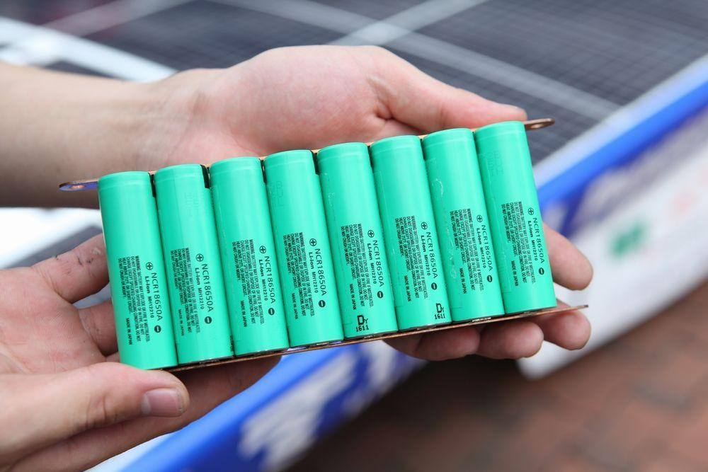 Panasonic's cylindrical 18650-type cells used in Tesla motors' Model S sedan. One sedan requires 2,000 times more battery capacity than a simple laptop. Photo: Panasonic