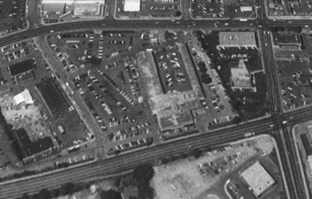 In this Google Earth image, Roundtree Chevrolet sits on the site in 1992, about five years before the dealership was closed and move to Fairview Ave. under the ownership of Lithia (the dealership moved again, even further west, to its current site at Fairview & Cloverdale under the ownership of the Peterson family.)