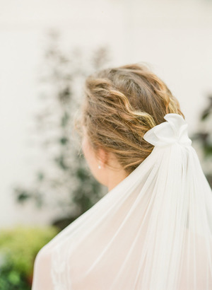 silk+tulle+wedding+veil+with+silk+petals+hushed+commotion+back+side.jpg