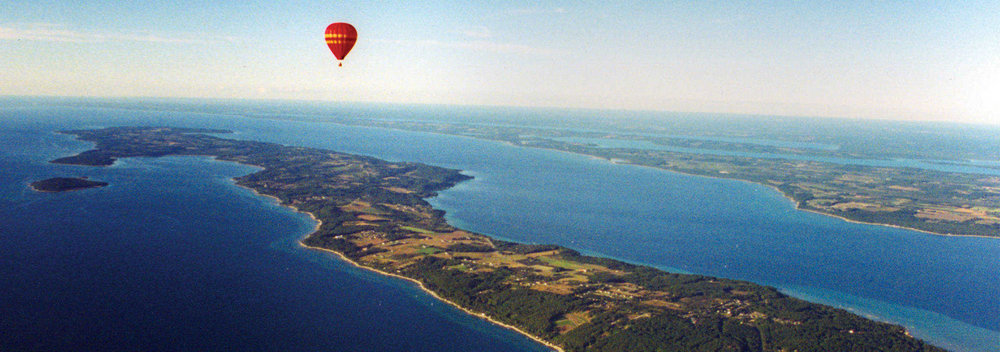 Grand Traverse Balloon over Old Mission Peninsula_0b733ab5-752f-4c80-a3c3-0c5971366a7f.jpg