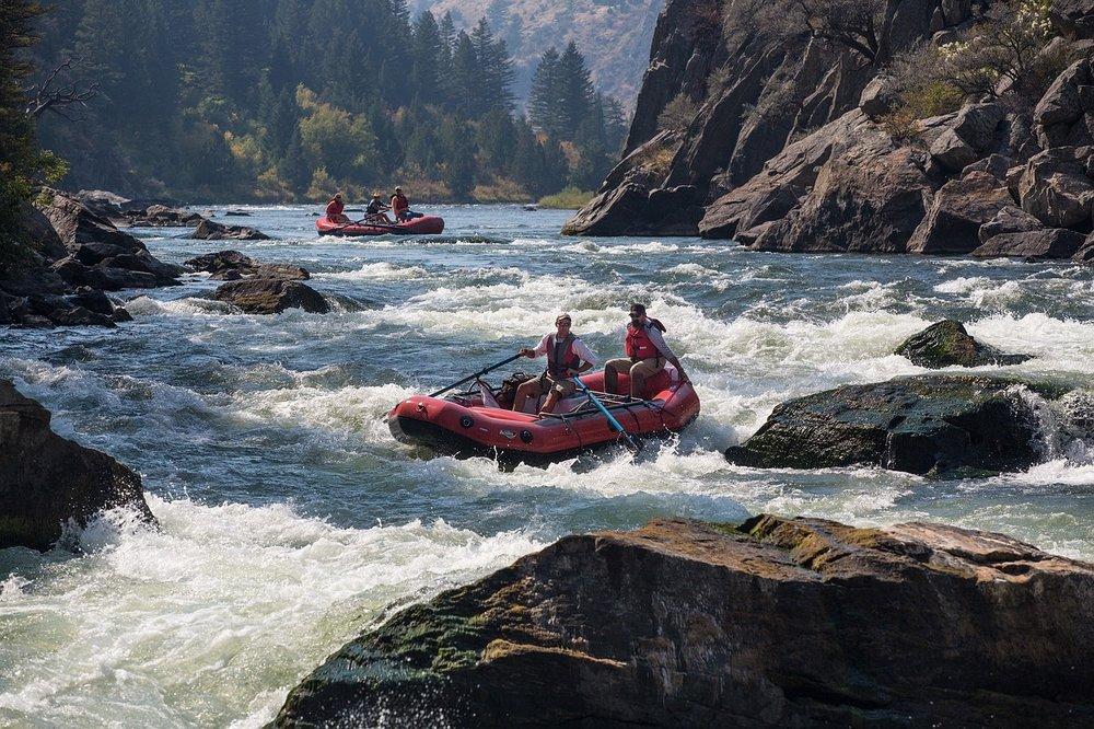 rafting-883523_1280.jpg