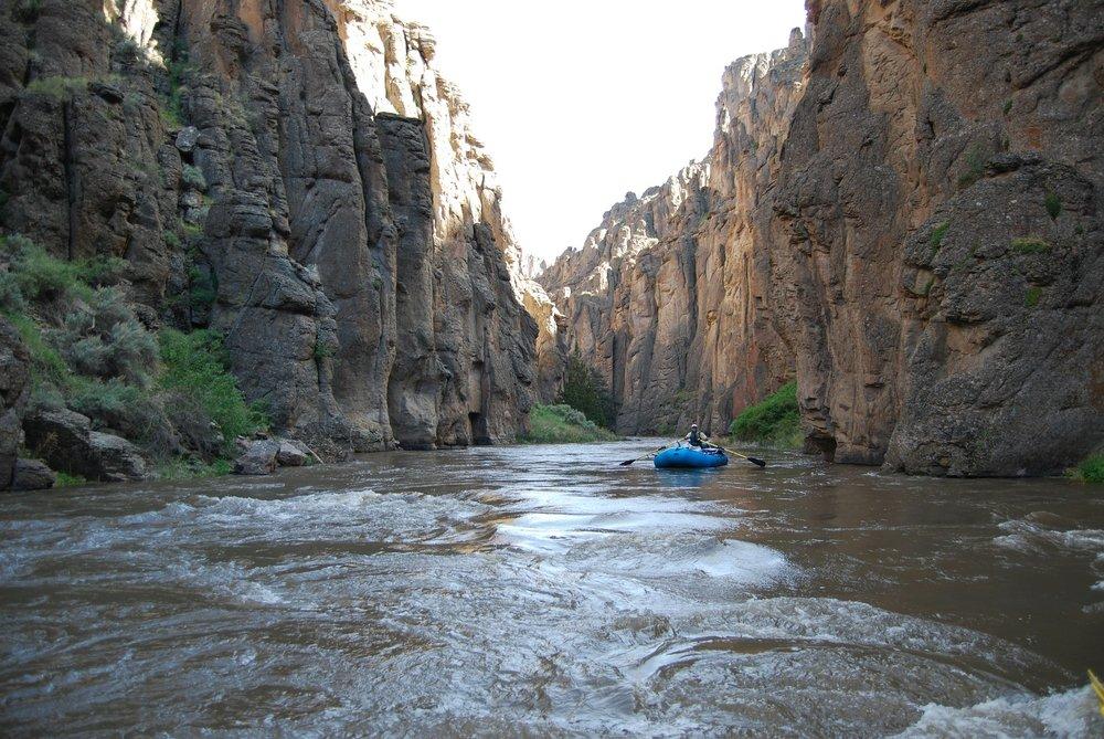 rafting-254657_1920.jpg