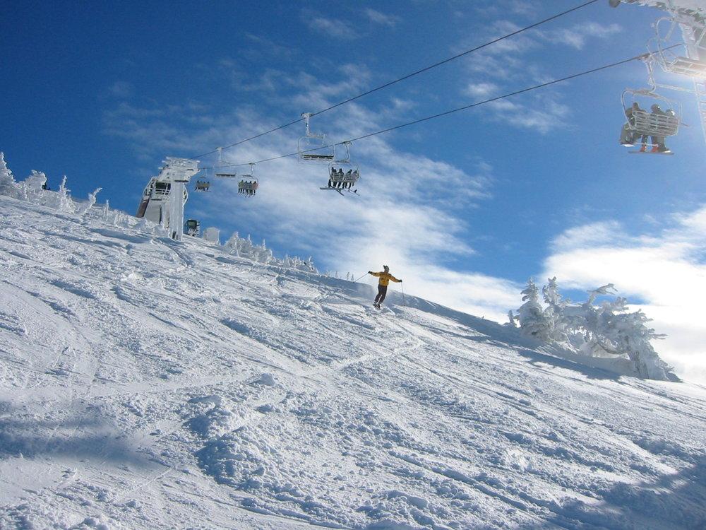 vanlife-rv-campervan-rental-idaho-sun-valley-boise-wandervans-wanderlust-grandtargee-skiing