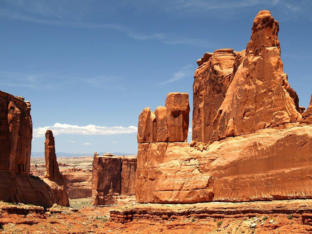 arches-national-park-53621_1920.jpg