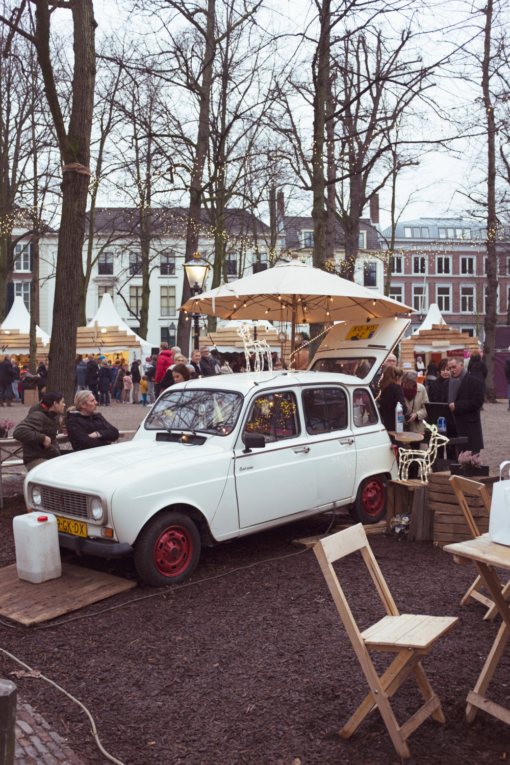 Christmas in the Netherlands via whenwewed.co