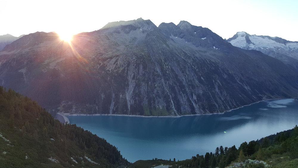 Sonnenaufgang Richtung Olpererhütte