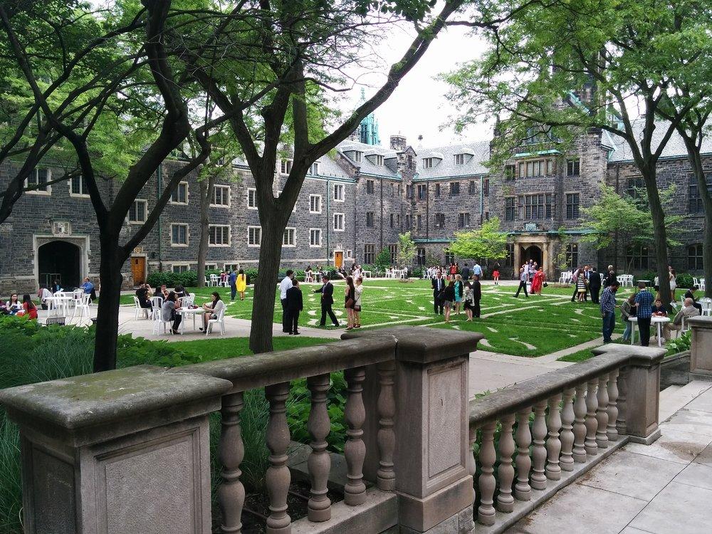 campus-1818084_1920.jpg