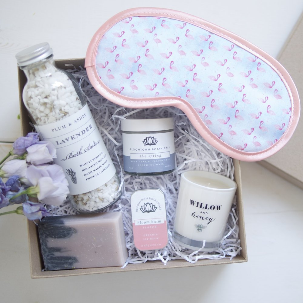Our Pamper gift box is perfect for Mum and bump relaxation