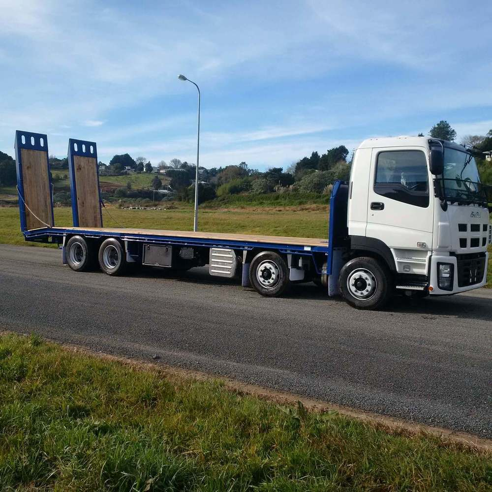 8m Transporter deck on new Isuzu