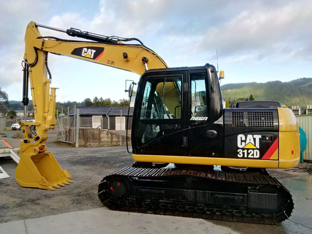 2014 CAT 312D, fitted with Chubbs thumb & hyd hitch