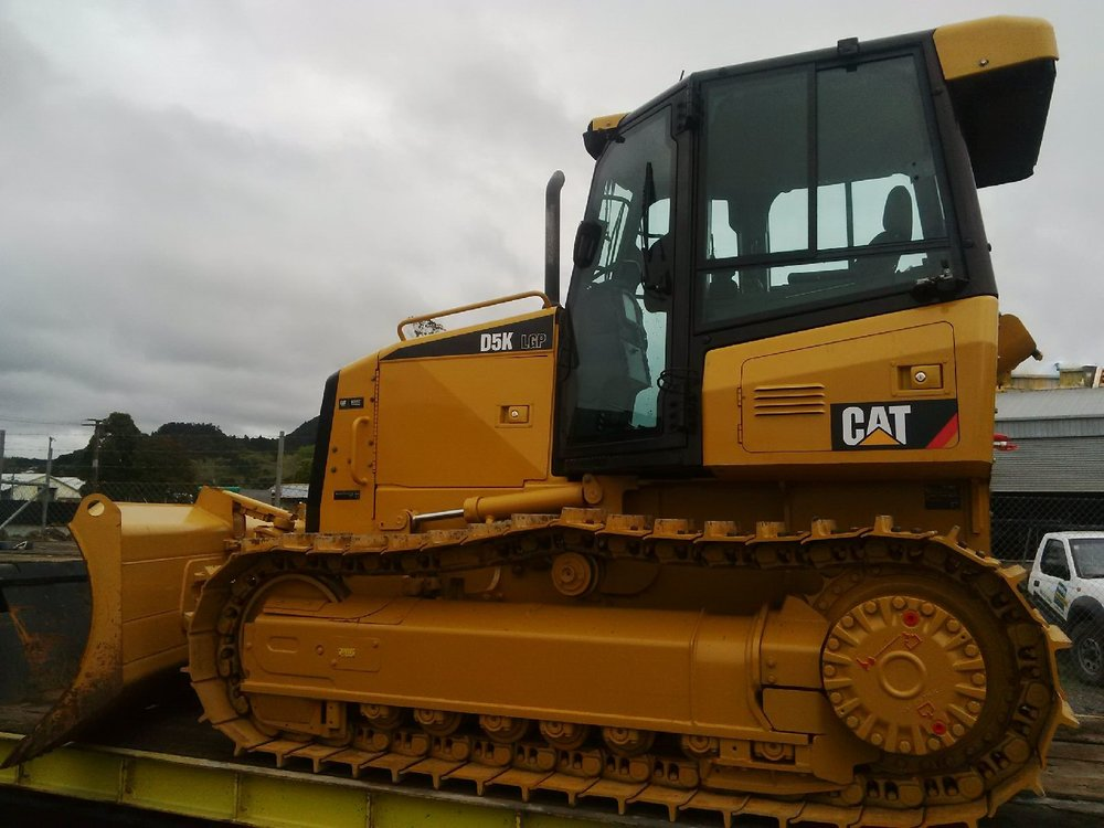 2012 CAT D5KLGP, fitted with standard grousers, ripper valve & rippers (to be mounted)