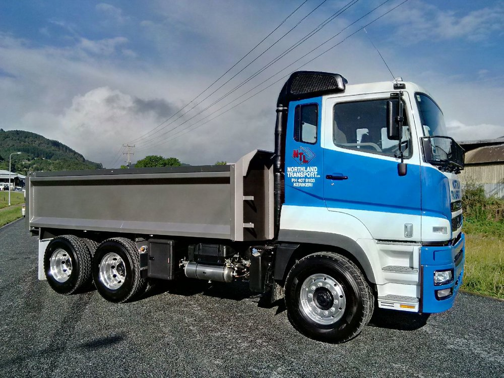 4.8m Tipper Body fitted to new Fuso HDFV470 - Extras include toolbox & RingFeeder