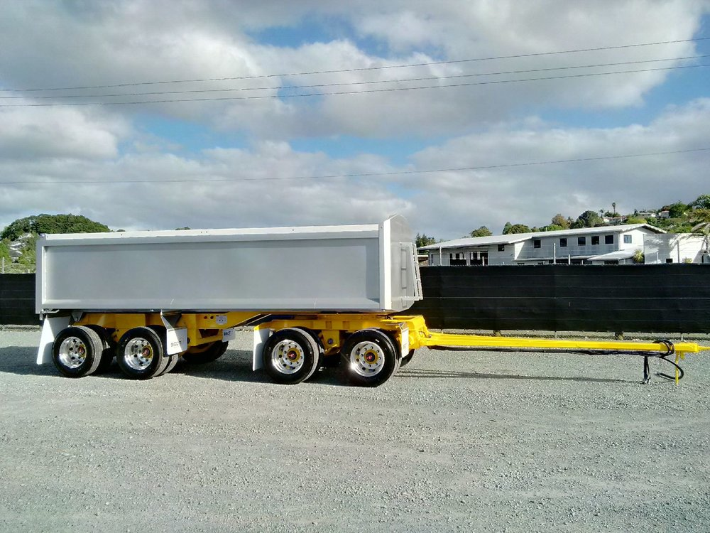 Bison 6.1m 4 Axle Raex/Bisalloy tipping trailer, extras include alloy wheels & painted in custom fleet colours