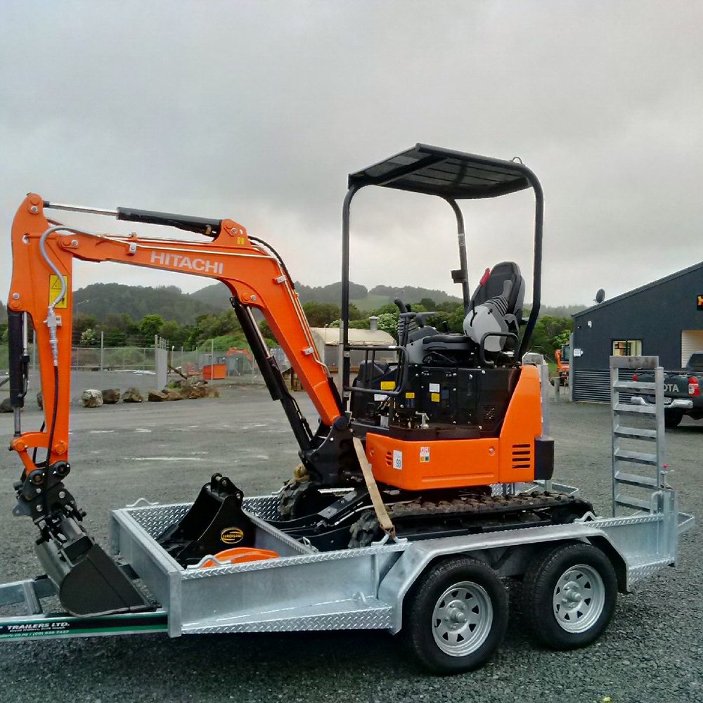 Unused 2016 Hitachi ZX19U-5A fitted with manual hitch, Calibre tilt bucket & NSP spade bucket on GT Trailer