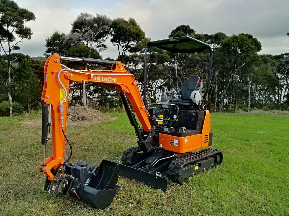 Unused 2016 Hitachi ZX19U-5A - fitted with Calibre Heli-Tilt hitch & 3 buckets & Augertorque auger package