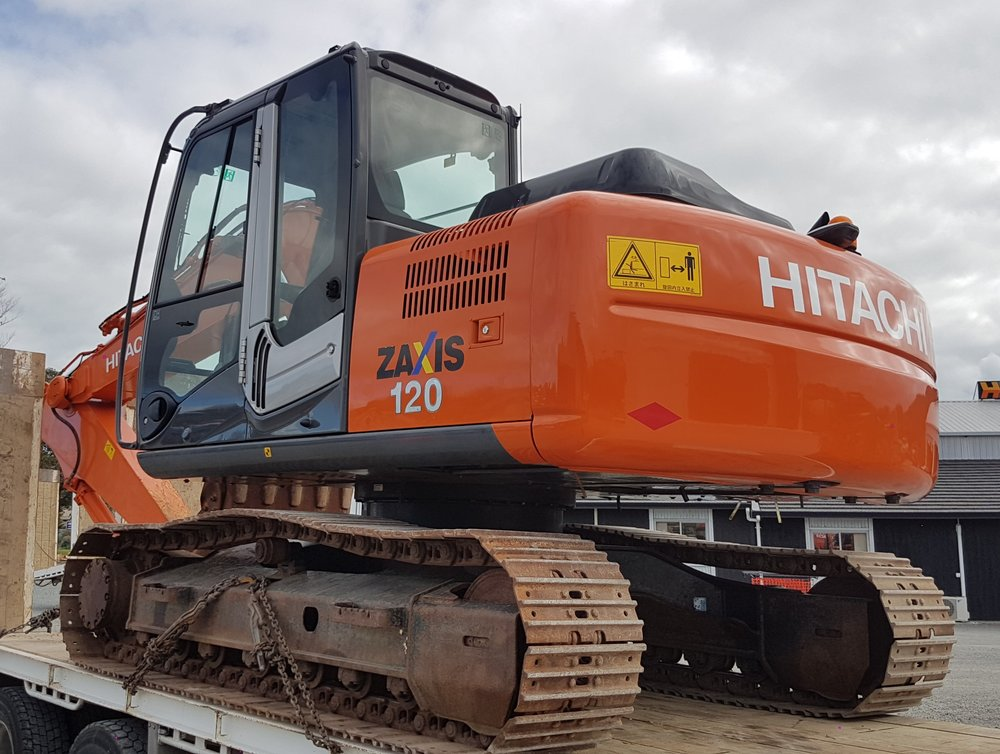 Hitachi ZX120-3 fitted with rock bucket 2180 hours