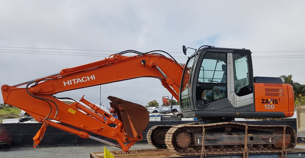 Hitachi ZX120-3 fitted with Chubbs thumb & rock bkt - only 1650 hrs