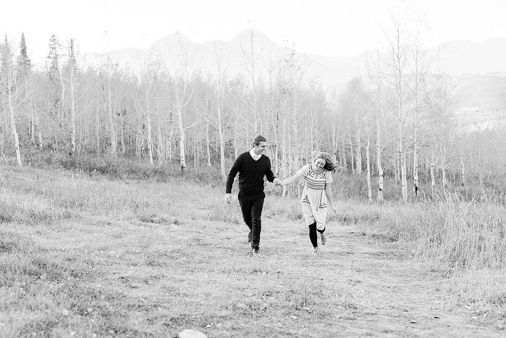 greenapplephotography_0043_utahengagement_mountains.jpg