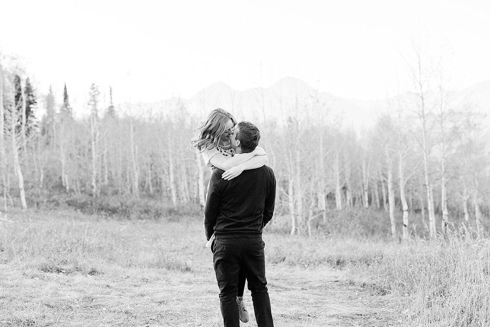 greenapplephotography_0058_utahengagement_mountains.jpg