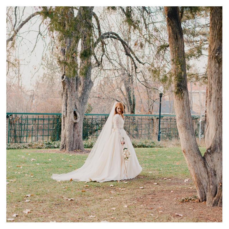 SARAH - garden bridal portraits