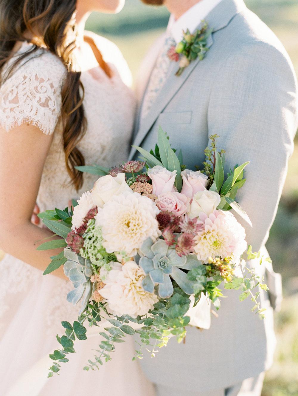 mountain-bridals_lindseystewartphotography_0036.jpg
