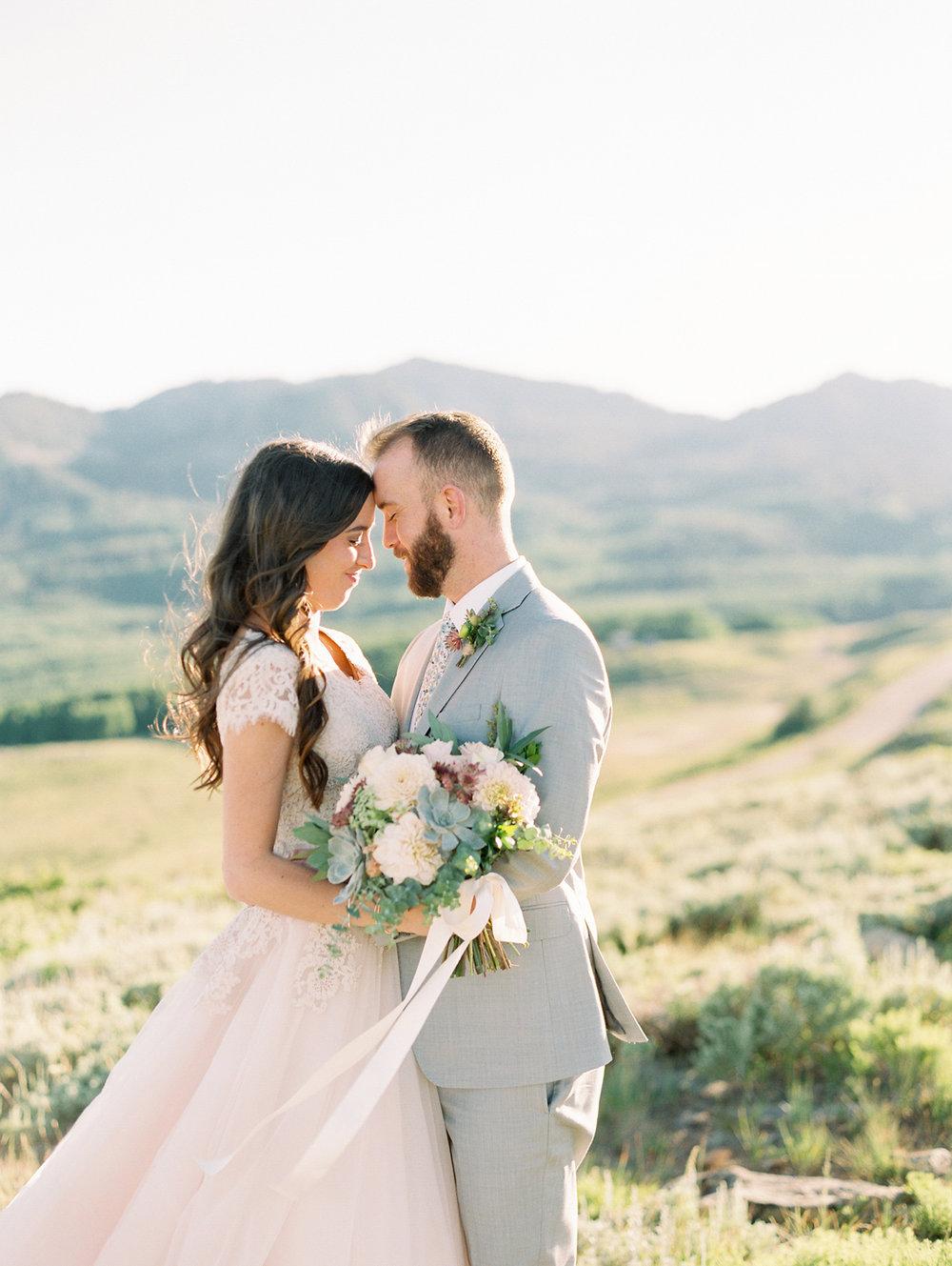 mountain-bridals_lindseystewartphotography_0041.jpg