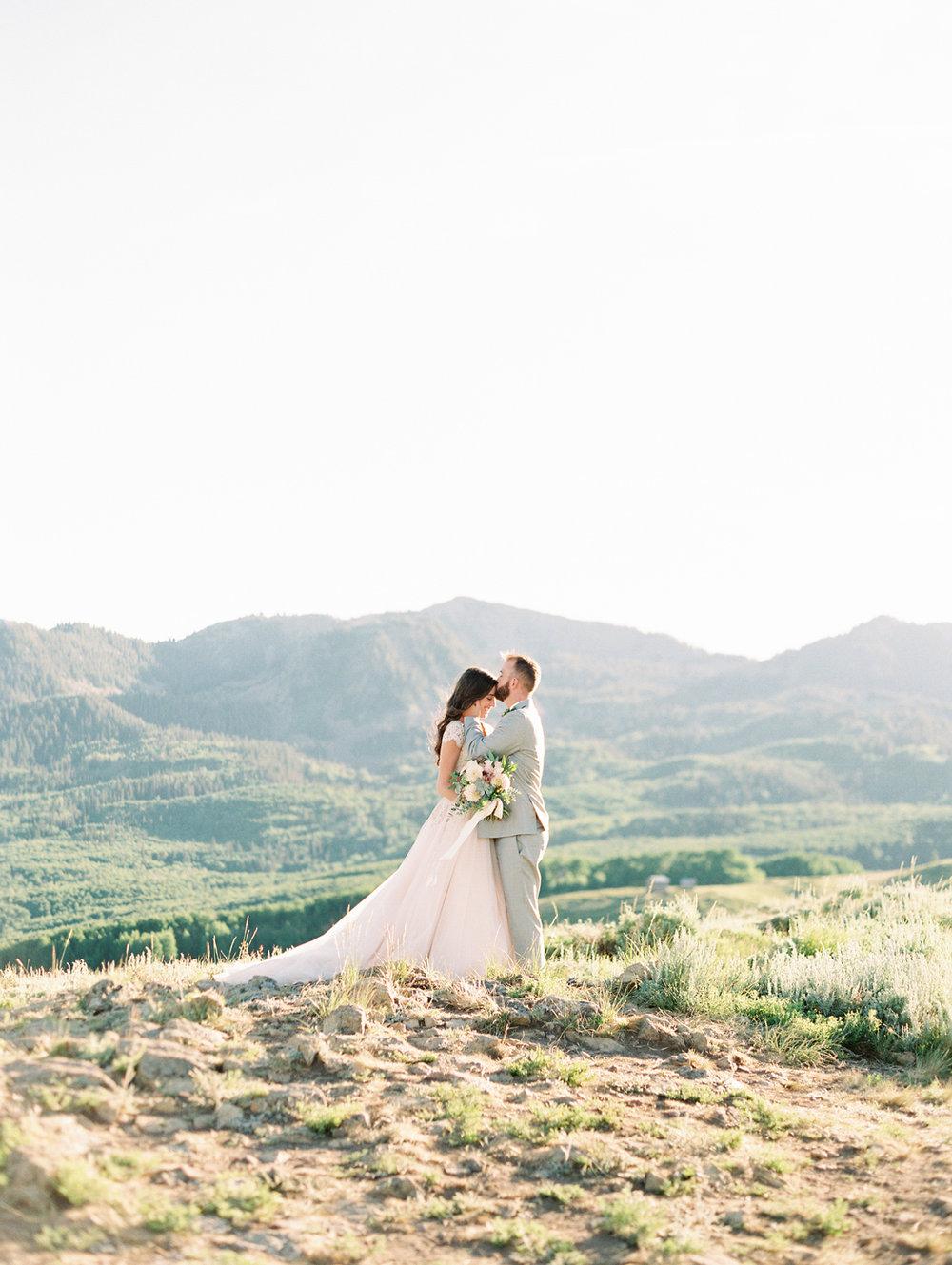 mountain-bridals_lindseystewartphotography_0042.jpg