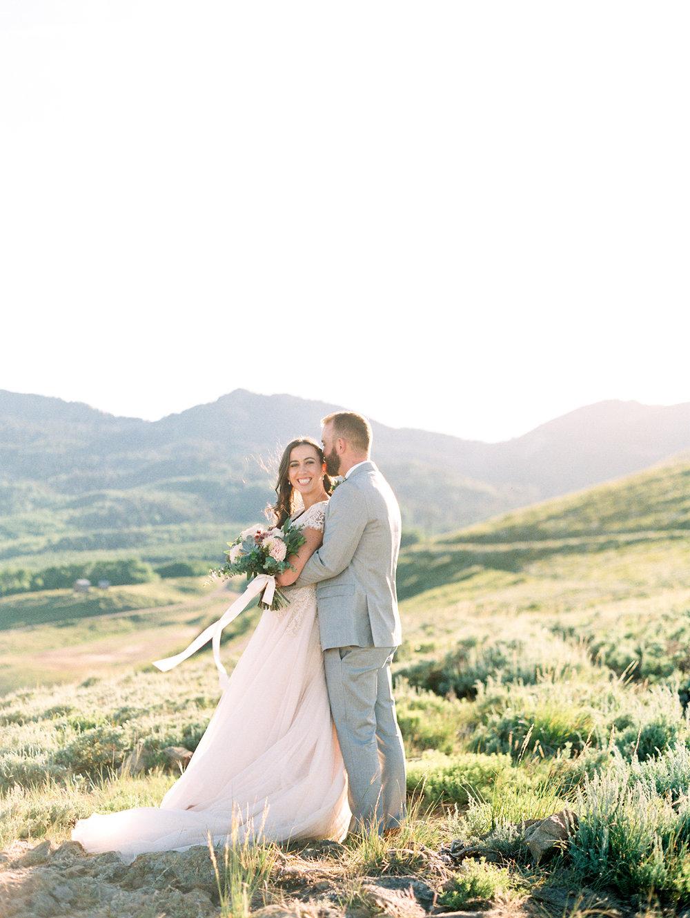 mountain-bridals_lindseystewartphotography_0043.jpg