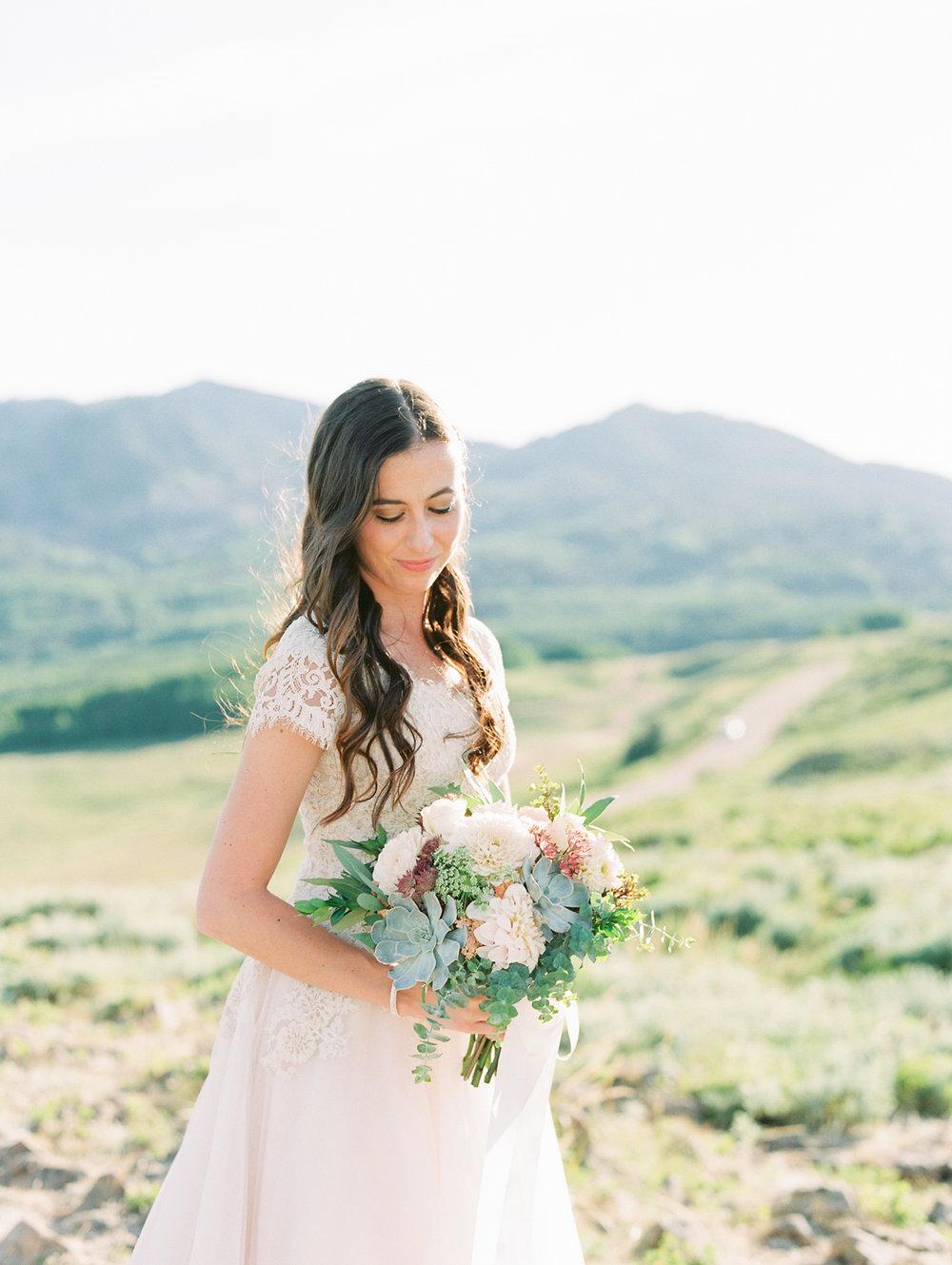 mountain-bridals_lindseystewartphotography_0044.jpg