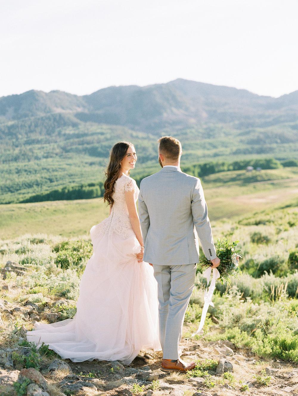 mountain-bridals_lindseystewartphotography_0048.jpg