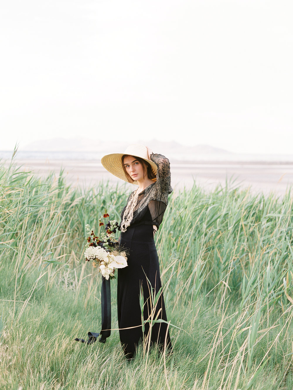 film-editorial-vintage-black-dress_0005.jpg