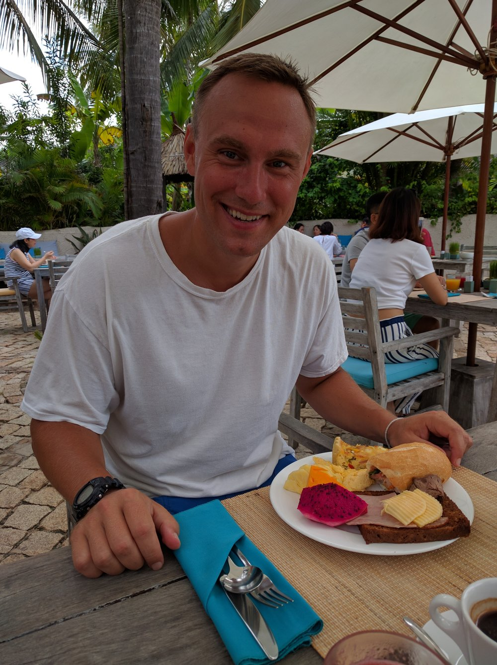 Round 1 of breakfast for me at the Mia Mui Ne Resort -- I haven't eaten lunch in four days