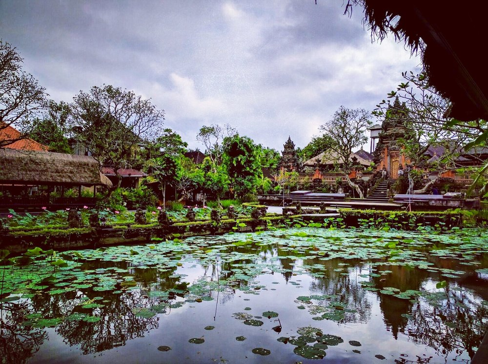 The temple area behind Ubud's Starbucks
